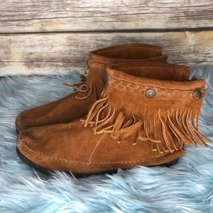 Minnetonka hi top back zip Moccasin booties 7 boho